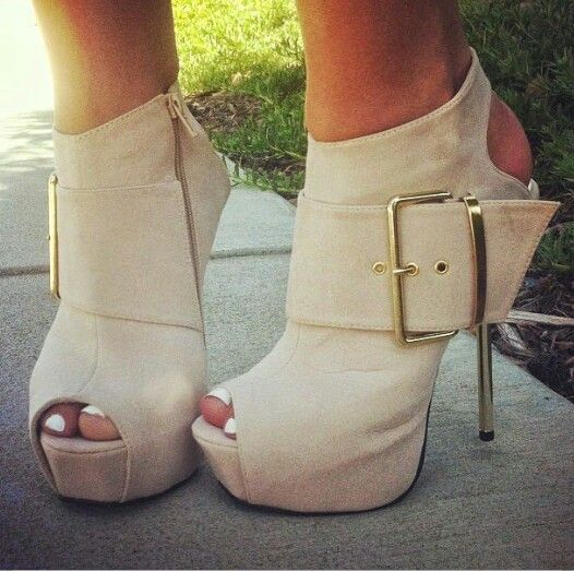 Shoes ♡ Heels, So LOVELY!! Definitely a necessity for every girls closet! (Especially mine, hehe)