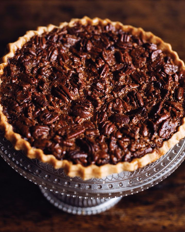 Bourbon Pecan Pie  •  Free tutorial with pictures on how to bake a pecan pie in under 60 minutes