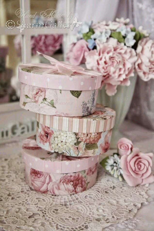 666 best rose print boxes and tins images on pinterest for Boite shabby chic