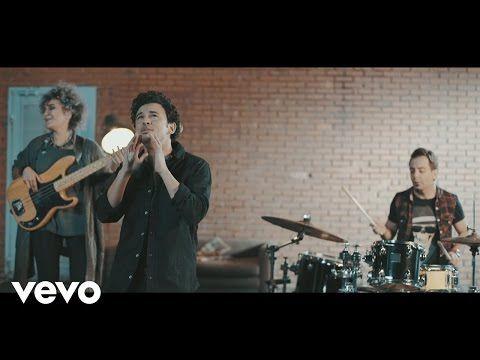 Mithat Can Özer - Ateş Böceği (Official Video) - YouTube