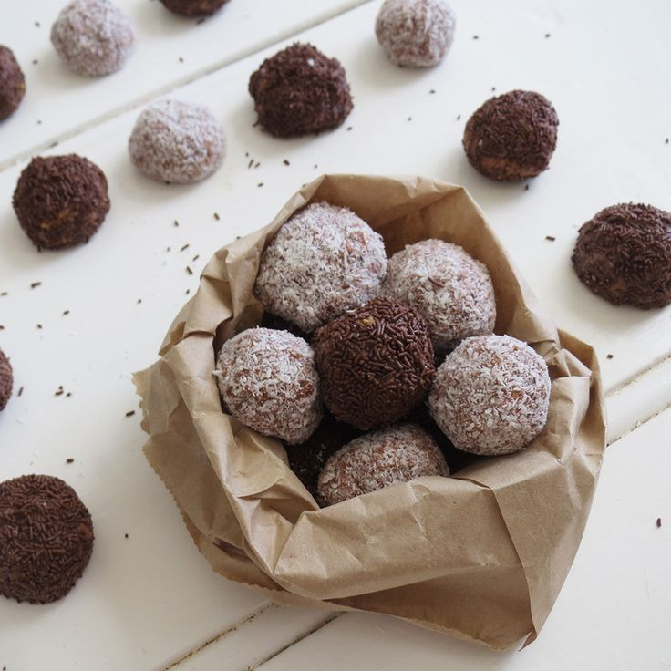 We've rounded up 25 most popular recipes from last Christmas like these Tim Tam Balls by jakalak 78