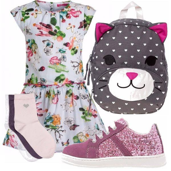 Le vacanze ancora non sono terminate ma io da mamma, prima esperienza, già sto pensando al primo giorno di scuola di mia figlia con un bel vestitino floreale, zainetto a forma di gattino per giocare un po e scarpe rosa.