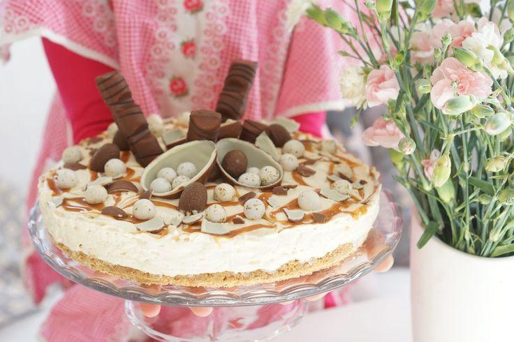 Kinuski, suklaa ja kinder kuuluvat omiin suosikkimakuihin ja testattiin uutta kinuskituorejuustoa tähän pääsiäisen kakkuun. Kakku on helppo...
