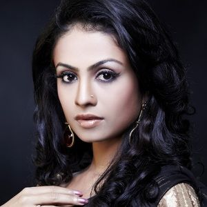 Manasi Parekh Gohil (Indian, Television Actress) was born on 10-07-1986.  Get more info like birth place, age, birth sign, biography, family, relation & latest news etc.