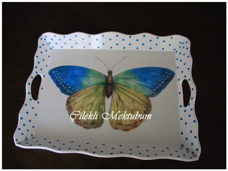 ahsap boyama, ahsap boyama tepsi, decorative painting, decoupage, dekorasyon, dekoratif boyama, Dekupaj, kelebek, mavi kelebek, mutfak, mutfak dekorasyon, puantiye, puantiyeli tepsi