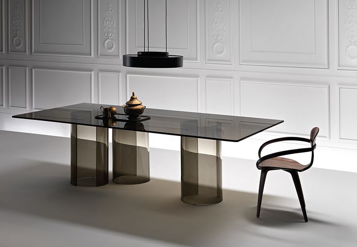 LUXOR table by @fiamitalia_ designed by Rodolfo Dordoni #fiamitalia #rodolfodordoni #table #tavolo #furniture #design #interiordesign #homedecor #arredamento