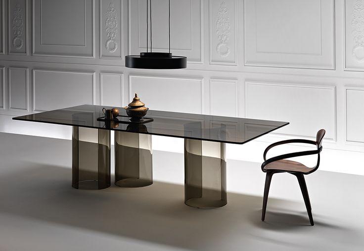 LUXOR table by @fiamitalia_ designed by Rodolfo Dordoni #fiamitalia #rodolfodordoni #table #tavolo #furniture #design #interiordesign #homedecor #arredamento