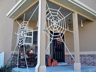 Spiders!: Halloween Decor, Halloween Costumes, Spiders Halloween, Halloween Crafts, Fall Halloween, Fall Crafts Decor, Halloween Outfits, Halloween Ideas, Diy Spiders