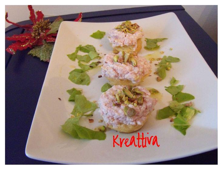 Scones con mousse di crescenza salmone e pistacchi | Kreattivablog