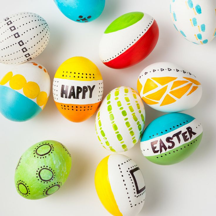 Master the egg makeover.Easter St, Eggs Easter, Easter Spr, Easter Eggs, Eggs Makeovers, Eggs Ideas, Holiday Decor, Eggs Holiday, Easter Ideas