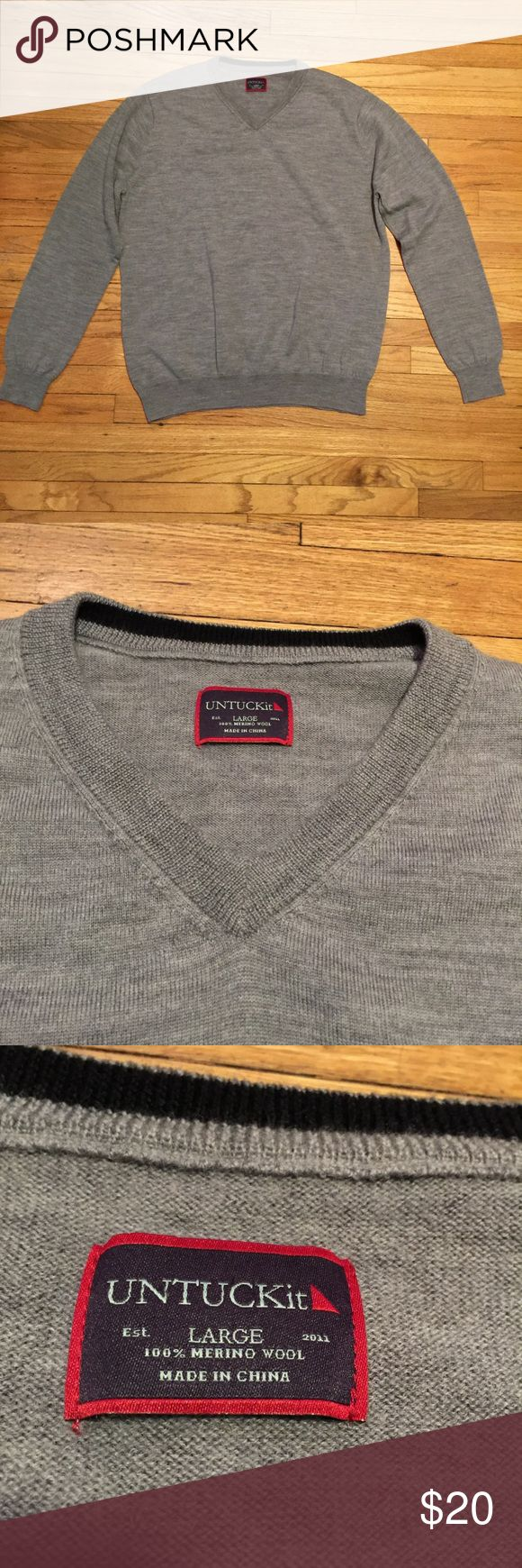 Untuckit gray men's v neck sweater - sz Large Untuckit gray men's v neck sweater - sz Large. Armpit to armpit - 23.5 inches. Length - 28 inches. untuckit Sweaters V-Neck