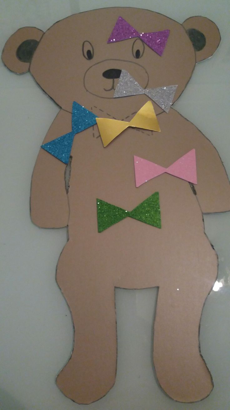 Pin the bow on the teddy bear game. Ideal for teddy bear's picnic!