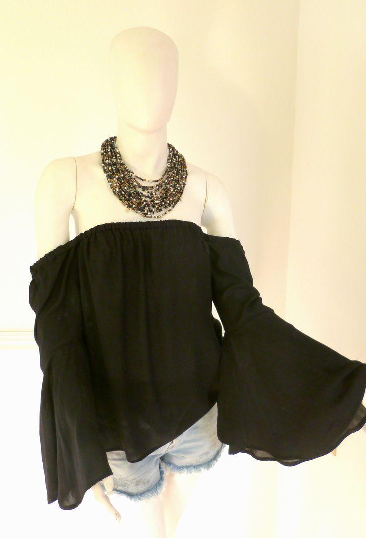 #bardot #offshoulder #offshouldertop #colombiandesigner #colombia #fashiontrends #black #necklace