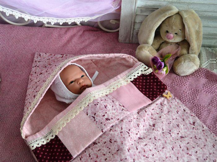 Вот еще одно текстильное чудо! Мы создали потрясающе красивый конверт на выписку для новорожденной принцессы: теплый розовый бургунди и нежный виноградно-розовый цвета придают трогательности Вашей малышке. Конверт сшит из натуральных тканей: верх и подклад - 100% американский хлопок, прокладка 50% бамбук/50% хлопок, лаконично украшен нежно-бежевым домотканным кружевом. Окутайте свою долгожданную малышку теплом и любовью! Заходите на www.bright-kids.ru