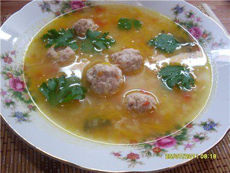 Супчик рисовый - полупюре с фрикадельками. Пирожок яблочный : Рецепты для детей