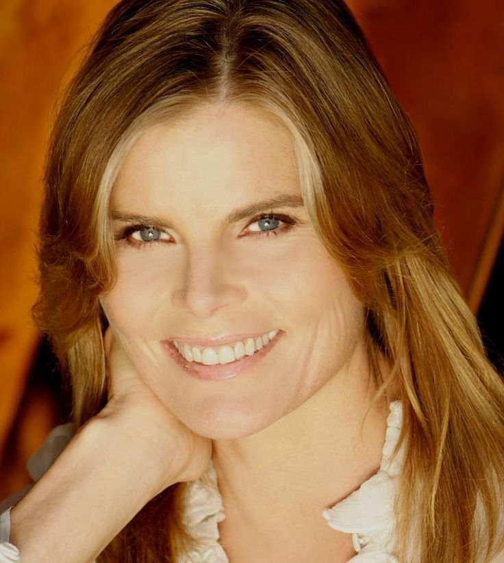 Mariel Hemingway - for speaking up and giving support to Dylan & Mia Farrow and daughter Soonyi who married Woody Allen. When is Hollywood going to stop romanticizing predators?! Mariel knew it at age 18. Womens' intuition? Maybe. Wake up!!!!! Listen to women who have the courage to speak up. Read this important piece. #advocate #predators #Hollywood