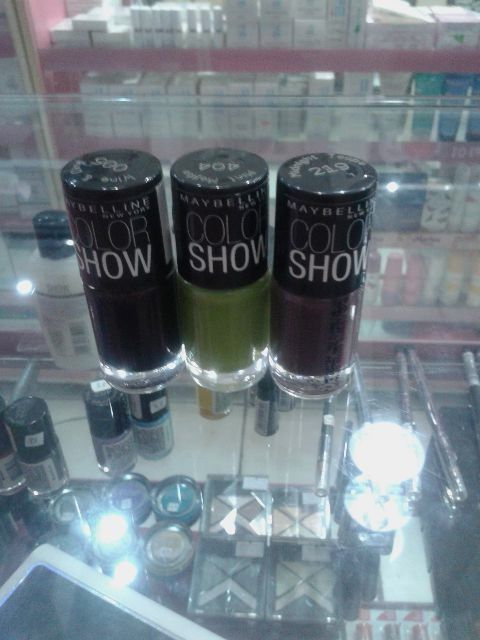 Maybelline Colorshow kutex 33.000