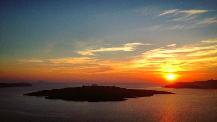 Σαντορίνη (Santorini) - Island in Σαντορίνη