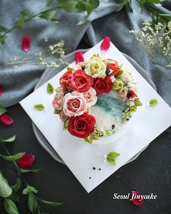 """좋아요 9개, 댓글 1개 - Instagram의 지니케이크 korea flower cake(@seoul_jinycake)님: """". 정규1주차. 비비드를 좋아라하시는~ 첫수업,레드초이스!! 넘 이뻐라하셔서 ㅎ즐거웠어요 . . ✔7월 정규반 수강모집중 . ✔원데이클래스 상시모집중 ✔케익주문가능 .…"""""""
