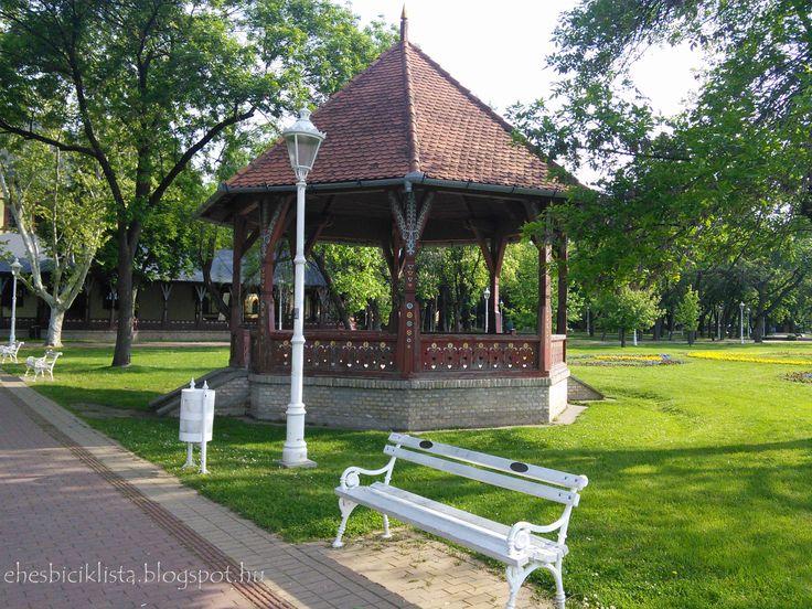 Music pavillon
