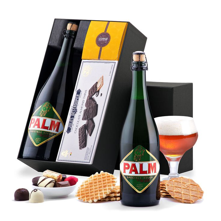 This unique gift contains Belgian Palm beer, classic Belgian chocolates by Corné Port-Royal, and Destrooper chocolate covered biscuits. Ready for gifting in an elegant black gift box.