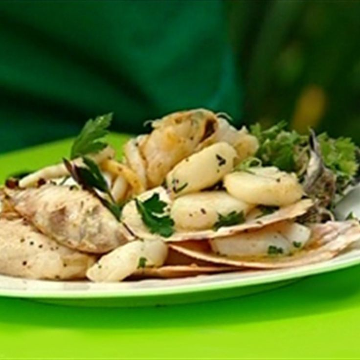 Try this Cafe Del Mare (seafood platter for 2) recipe by Chef Jason. This recipe is from the show Great BBQ Challenge.