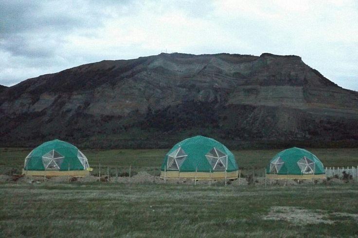 Domos geodesicos en la patagonia chilena. Visitanos en www.refugiofossil.cl