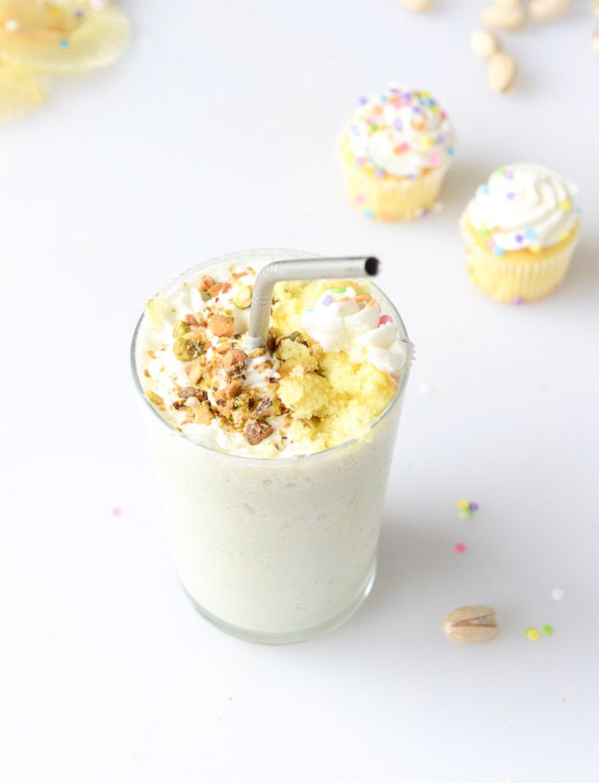 Spiked Pistachio Cream Cake Milkshakes I howsweeteats.com