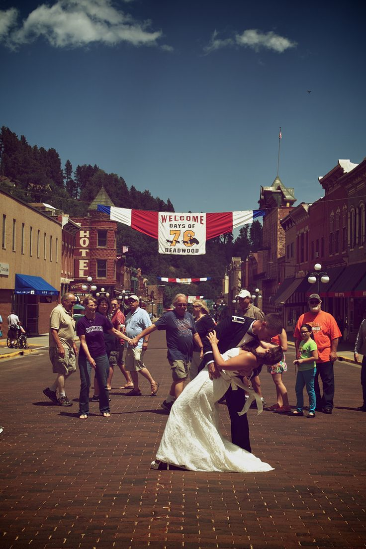 Times Square Kiss Remix Deadwood Sd Military Wedding