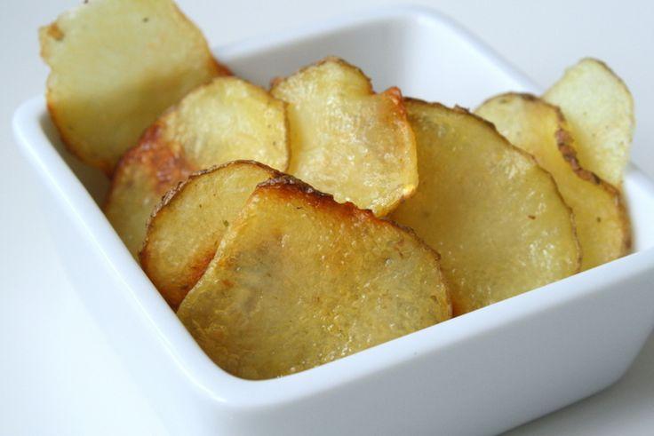 Har ni gjort egna chips någon gång ? Det är jättelätt och tar inte speciellt lång tid. Dessa krispiga potatischips kryddade vi med sourcreme & onion krydda. Kryddorna är popcornkrydda och går att köpa på biograferna, men har även sett att de finns billigare att köpa vid popcornen i mataffärerna. … Läs mer