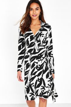 Monochrome Leaf Print Wrap Dress  V neck and wrap style. The diagonal pattern work and create a lengthening effect.  We read diagonals from left to right so our eyes are drawn upwards with this pattern towards the right shoulder.
