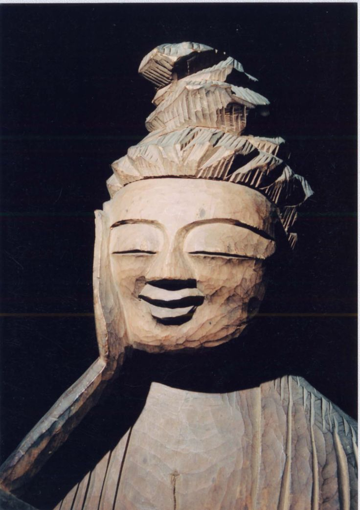 Enkū (円空) (1632–1695) was a JapaneseBuddhist monk and sculptor during the earlyEdo period. Born in Mino Province (present-day Gifu Prefecture), he wandered all overJapan, helping the poor along the way. During his travels, he carved some 120,000 woodenstatues of the Buddha.