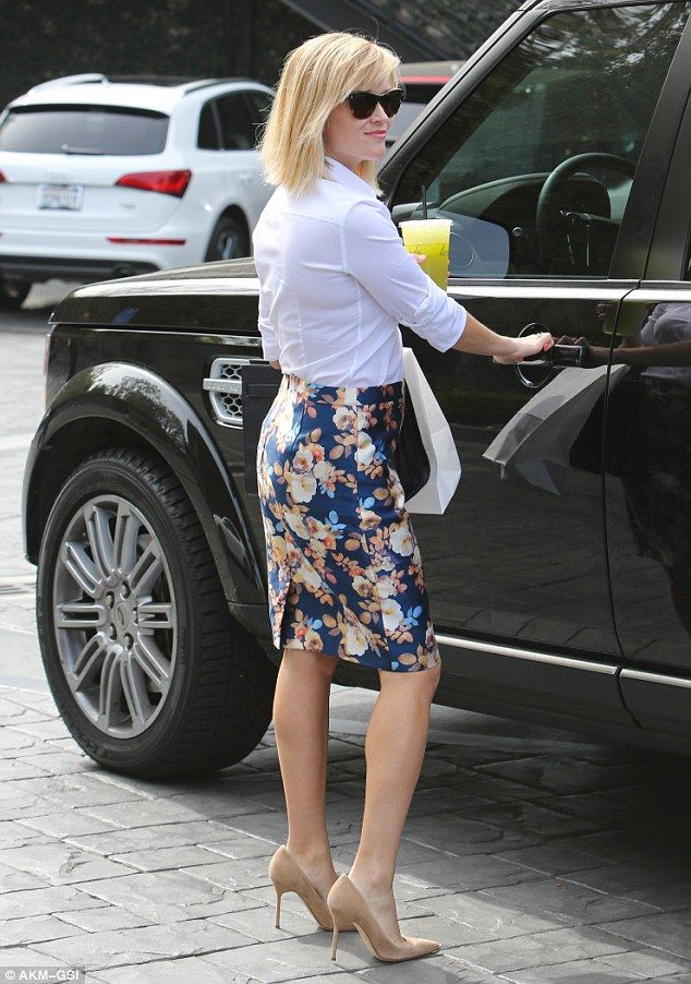 Reese Witherspoon Impresses In Floral Skirt And White