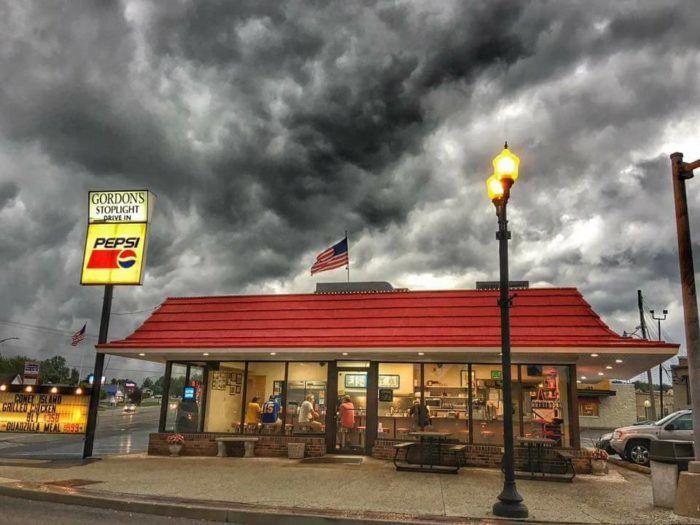 Devour Delicious Burgers At Gordon S Stoplight Drive In A
