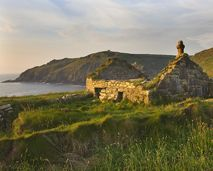 From Doc Martin to Poldark and Jamaica Inn, Cornwall is a star. The wild beauty of the county has led to an extensive list of Cornwall film locations.