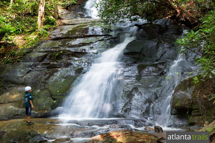 Find an adventure in one of North Georgia's most scenic and adventure-packed mountain towns: Blue Ridge.  Hike, dine, paddle, raft, bike, and relax in a cozy cabin: our favorite #BlueRidgeGA activities and things to do.