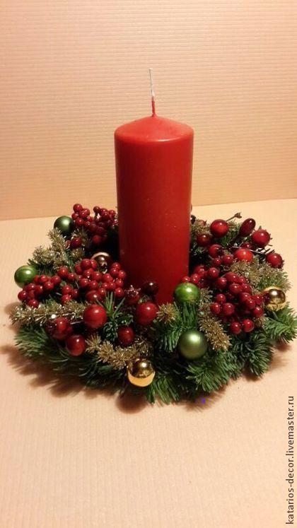 Рождественский венок на стол со свечой украсит праздничный стол и создаст неповторимое волшебное настроение:)