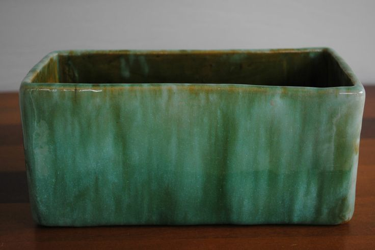"""VINTAGE HAND BUILT 8"""" JOHN CAMPBELL TROUGH IN GREEN DRIP GLAZE**EXCELLENT COND**"""