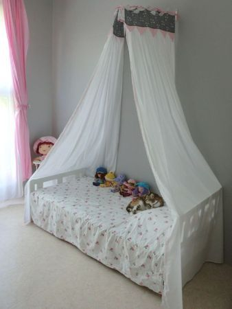 17 best images about ciel de lit lit badequin on pinterest play tents the mosquito and bebe. Black Bedroom Furniture Sets. Home Design Ideas