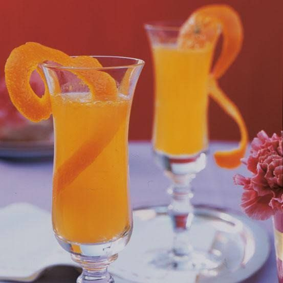 25 best ideas about cocktails mit sekt on pinterest party bowle hugo getr nk rezept and. Black Bedroom Furniture Sets. Home Design Ideas