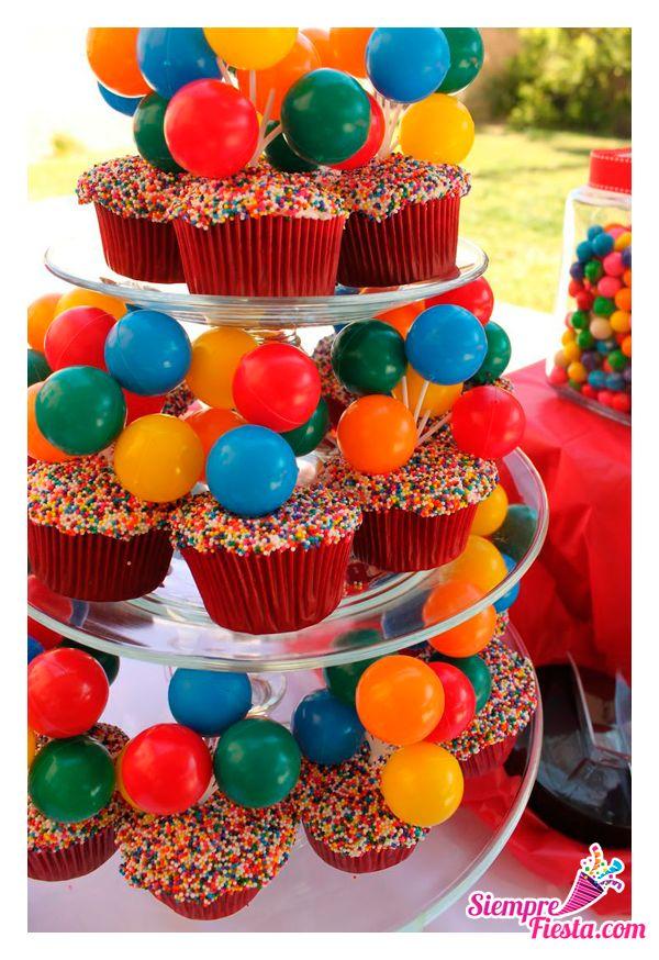 Bonitas ideas para tu próxima fiesta de Payasos. Ideal para fiestas mixtas. Consigue todo para tu fiesta en nuestra tienda en línea: http://www.siemprefiesta.com/fiestas-infantiles/ninos/articulos-fiesta-de-payaso.html?utm_source=Pinterest&utm_medium=Pin&utm_campaign=Payaso