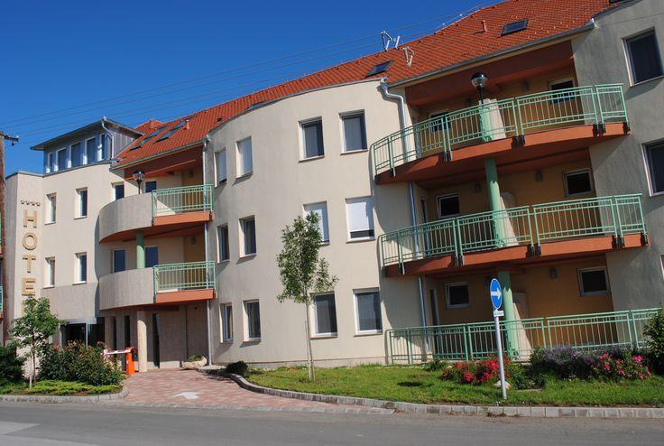 Minőségi pécsi szállás. Pécs város legnagyobb, legjobb wellness szállodája!
