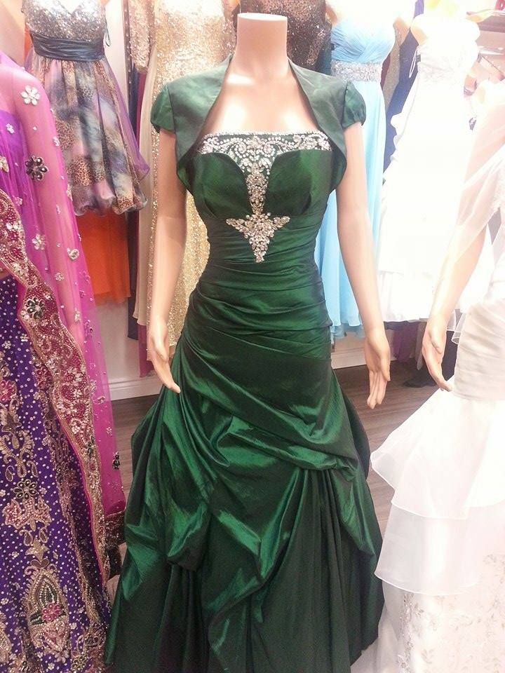 50% off of this gorgeous gown ..... only in Kultura boutique