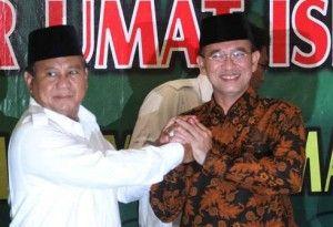 Prabowo Subianto (kiri) - Suryadharma Ali (kanan)