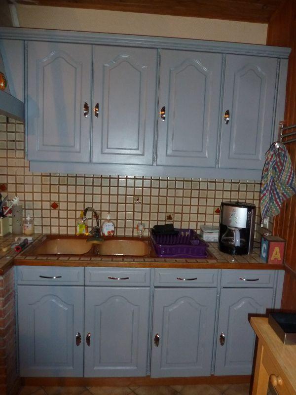 Et si on repeignait les meubles de la cuisine...