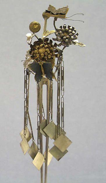 Hair Ornament, Date:late 19th century.  Culture:Japan.  Medium:Silver, silver gilt and gun metal.
