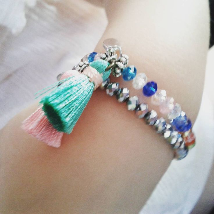 Little girl models our Crystal+Tassel bracelets...they look ♡ adorable!  #studiohx3 #jewelry #handmadejewelry #jewelrygram #instajewelry #instadaily #bracelet #armcandy #kidsjewelry #crystal #tassel #adorable #stacks #custommade #lifeiscolorful  #주얼리 #주얼리그램 #주얼리샵 #커스텀주얼리 #키즈패션 #크리스탈 #태슬 #보헤미안 #팔찌 #귀염둥이