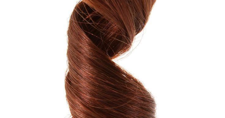 Cómo rizar mi cabello sin una plancha o rulos. Los rizos son hermosos pero las bucleras dañan el cabello y los rulos pueden ser incómodos. Puedes rizar tu cabello de otras maneras que requieren la utilización de poco o nada de calor, especialmente en comparación con las bucleras y rulos que se calientan. Las horquillas, trapos y dedos pueden darte el mismo efecto rizado sin secar y dañar ...
