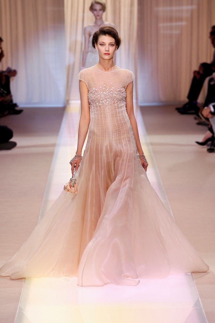 250 best Armani Prive images on Pinterest | Alta costura, Desfile de ...