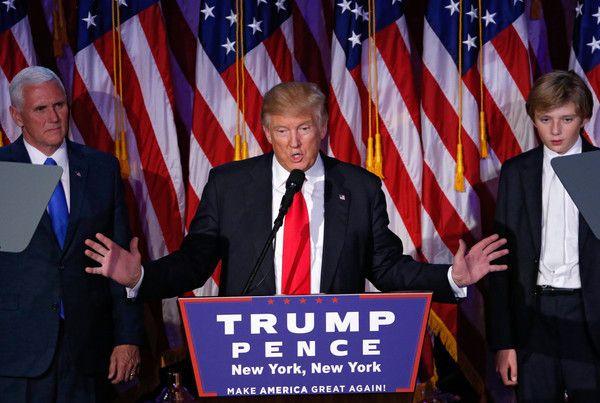 Donald Trump am Abend des 8. November 2016. (Foto: dpa)  https://deutsche-wirtschafts-nachrichten.de/2016/11/09/donald-trump-und-hillary-clinton-kopf-an-kopf-in-florida/